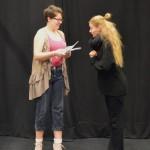 Fleur-de-lys (Jennie Leander)) och Henriette(Ida Koivisto)